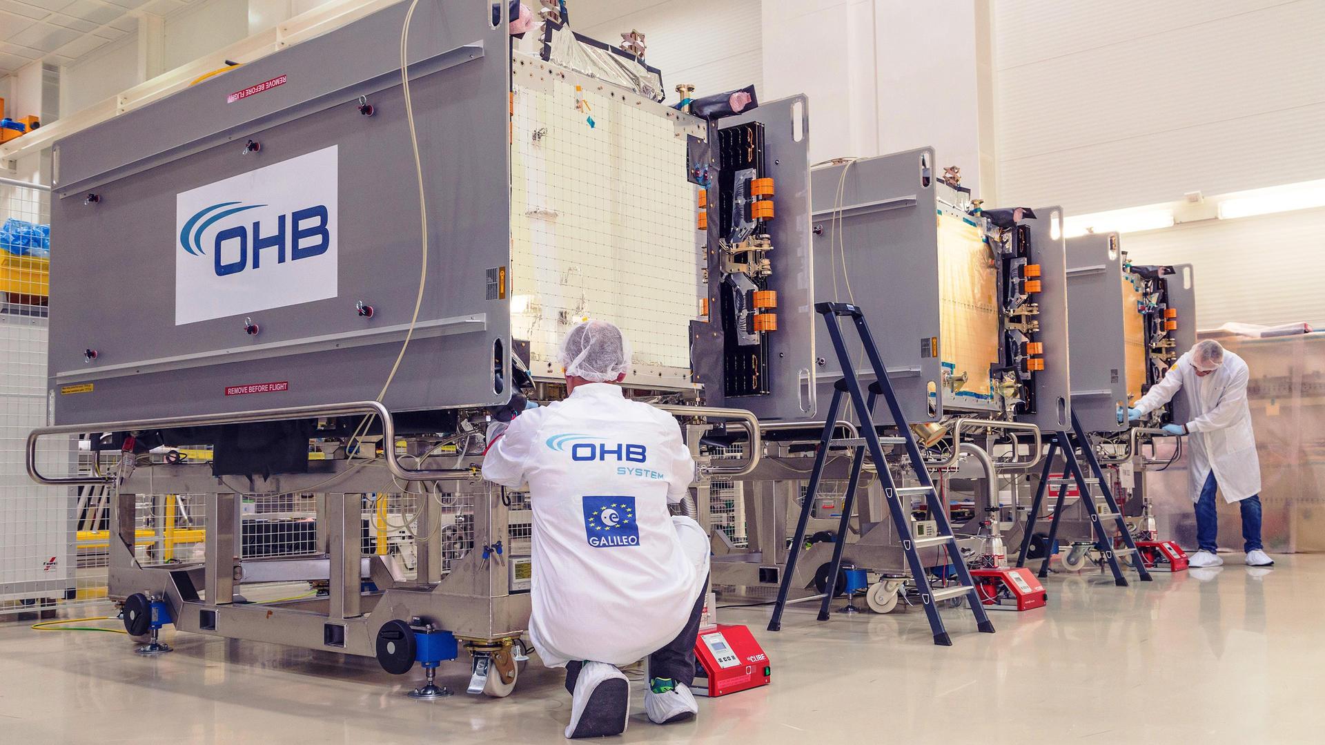 Satellitenfertigung (Foto: OHB System AG)